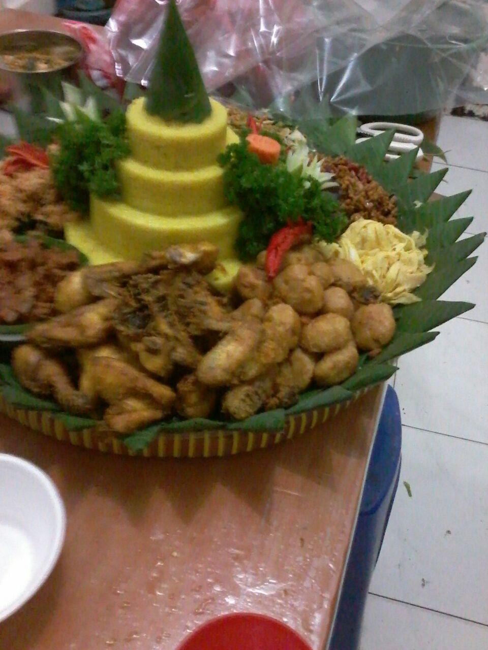Pesan Nasi Tumpeng Di Condet Jakarta Timur