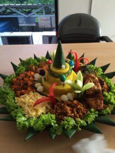 Pesan Nasi Tumpeng Di Harapan Indah Bekasi
