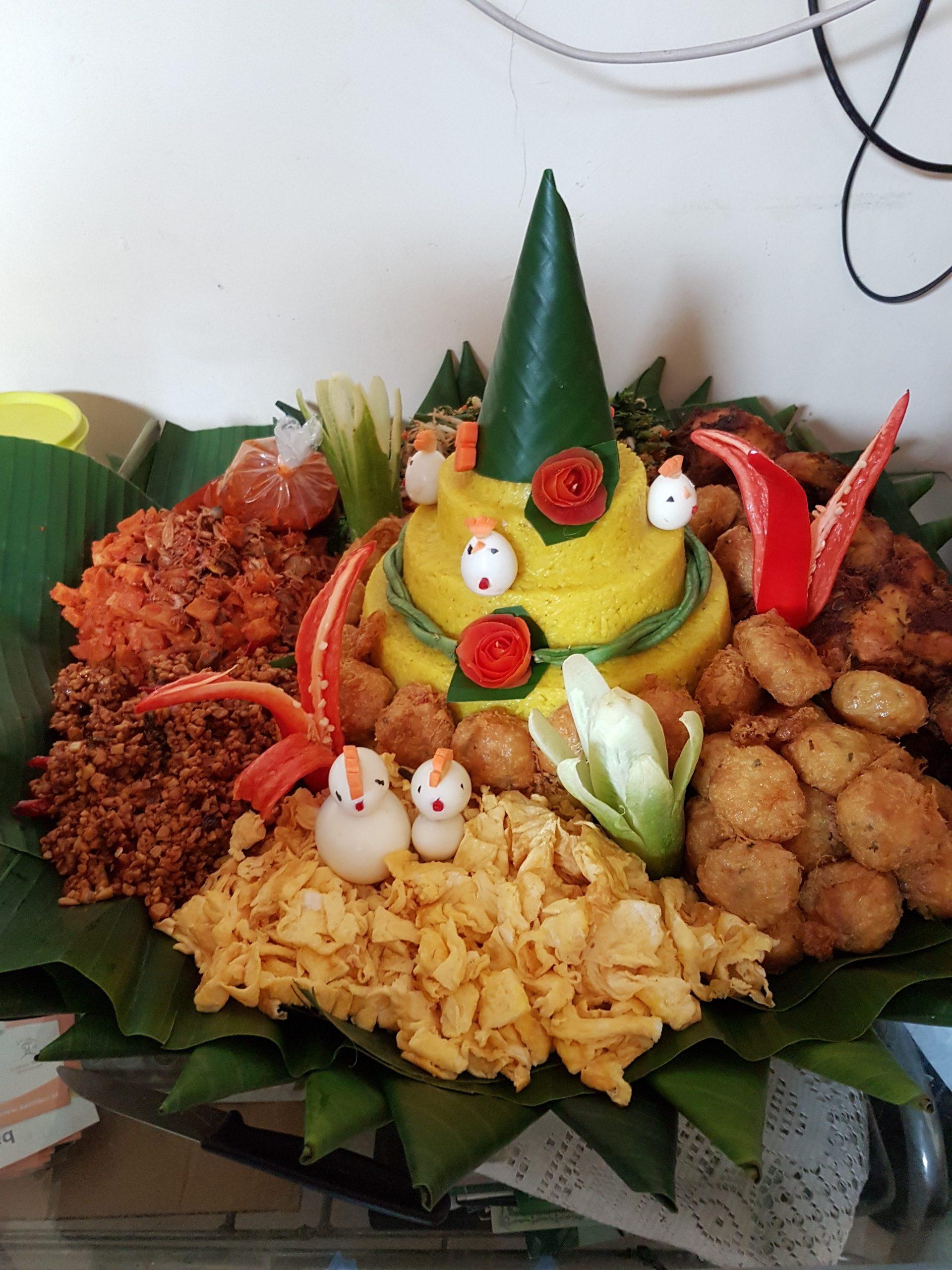 Pesan Nasi Tumpeng Di Bambu Apus Jakarta Timur