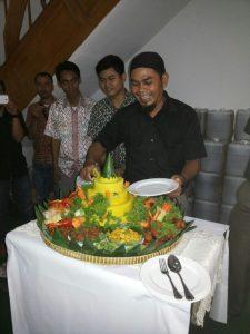 Pesan Nasi Tumpeng Kuning di Jakarta