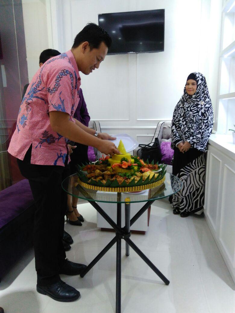 Pesan Nasi Tumpeng di Jakarta |  Tumpeng Nasi Kuning Murah