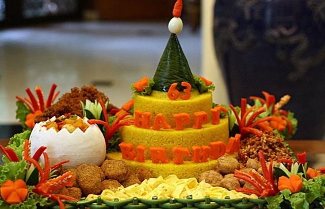 gambar nasi tumpeng ulang tahun