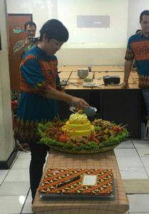 Pesan Nasi Tumpeng di Vila Nusa Indah