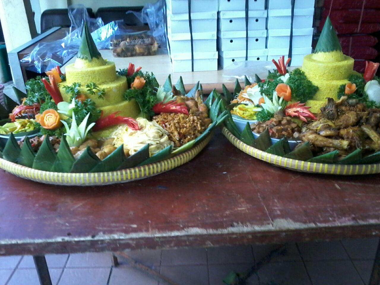 paket-nasi-tumpeng-kuning