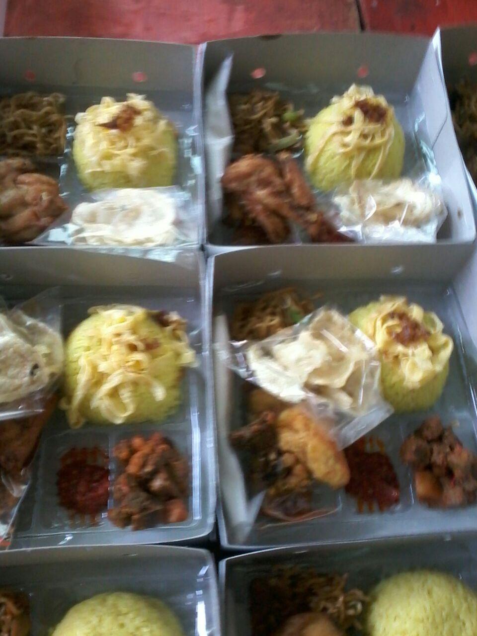 Pesan nasi box di cempaka putih
