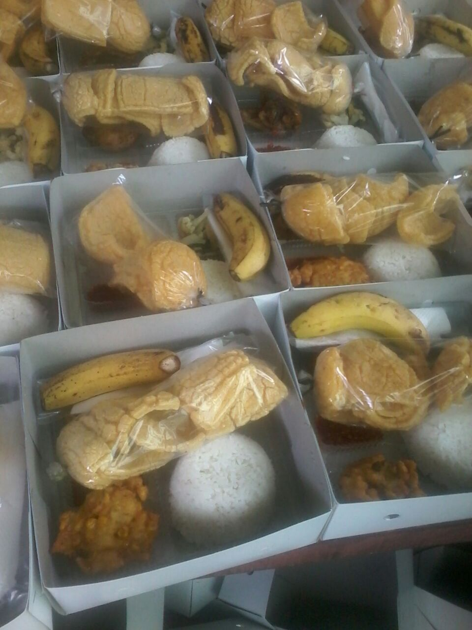 Pesan nasi box di cikini