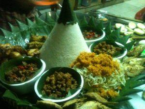 nasi tumpeng untuk ulang tahun, pesan nasi tumpeng jakarta pusat, jual nasi tumpeng jakarta