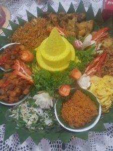 Pesan Nasi Tumpeng Di Matraman Jakarta Timur