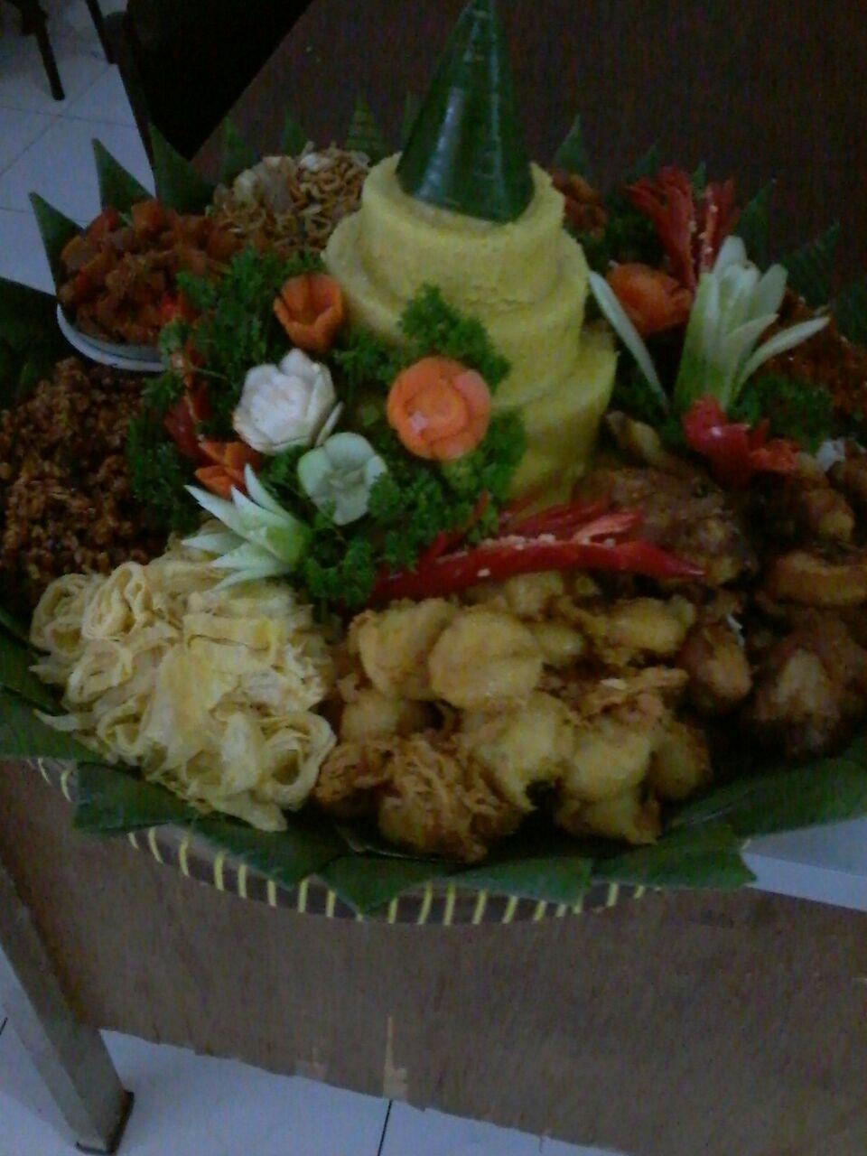 Pesan Nasi Tumpeng Di Senen Jakarta Pusat