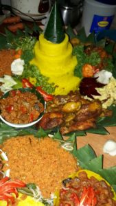 Pesan Nasi Tumpeng Di Jatinegara Jakarta Timur
