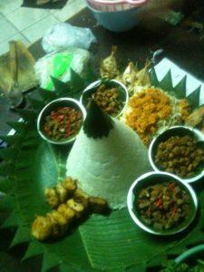 Pesan Nasi Tumpeng Di Pondok Kelapa Jakarta Timur