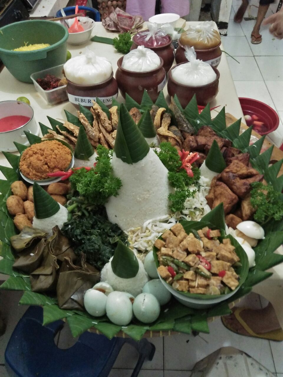 Pesan Nasi Tumpeng Di Taman Sari Jakarta Barat