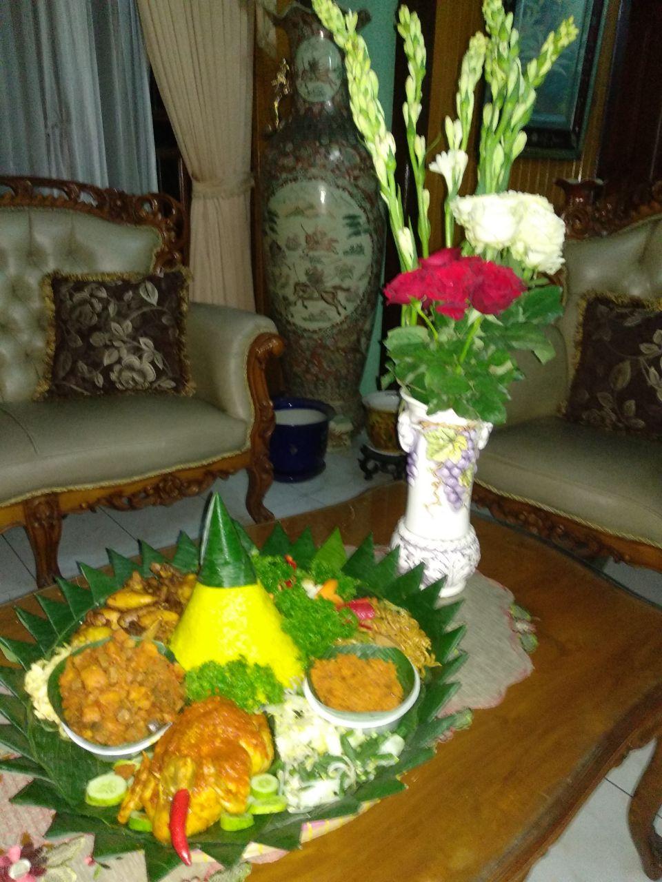 Pesan Nasi Tumpeng Di Pinang Ranti Jakarta Timur