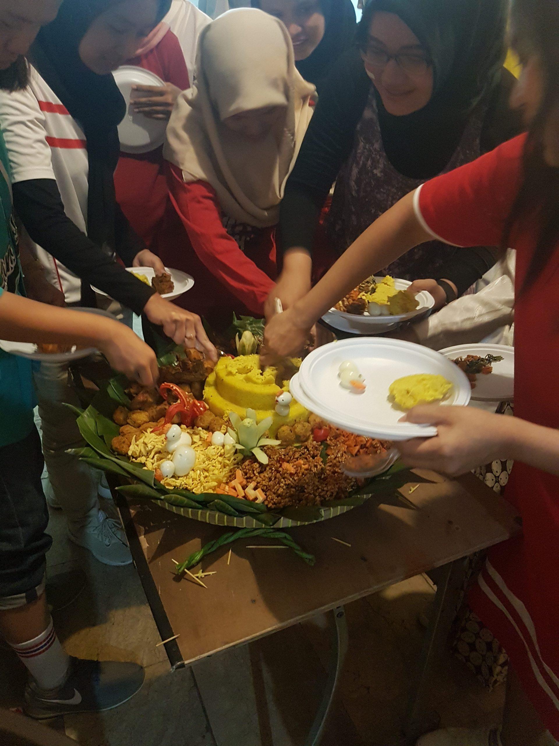 Pesan Nasi Tumpeng Di Karet Jakarta Selatan