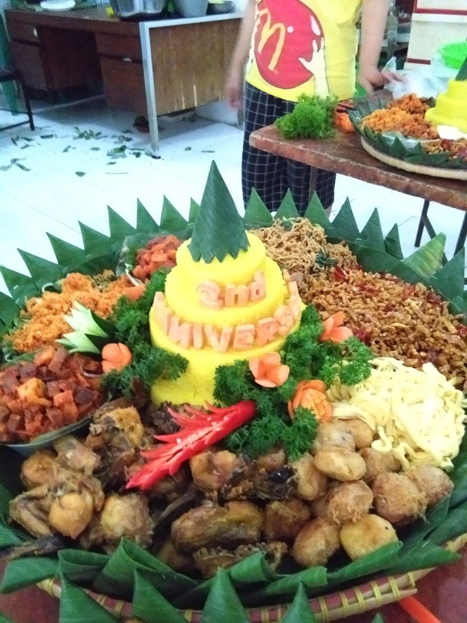 Jual Nasi Tumpeng Di Pasar Minggu